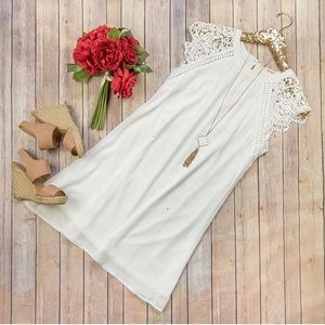 White and Lace dress with feminine sleeve Size S